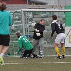 Mjånes heada inn 1-0. (Foto: KVB)