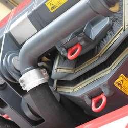 Liften kan også brukast som kran, for eksempel for å løfta eit bilvrak. (Foto: KVB)