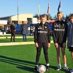 Med på festen; Mathias Aadland, Tormod Igland Lund og Jakob Solskjær. (Foto: KVB)