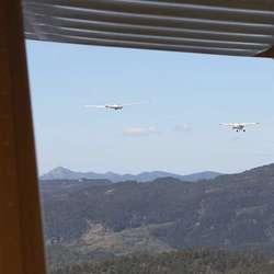 Det var tett med fly over Os i går. (Foto: KVB)
