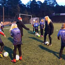 Nautnes og Karstad leia heile treninga.