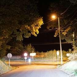 ... men frå Solbakken til E39 er skulevegen smal og mørk. (Foto: KVB)