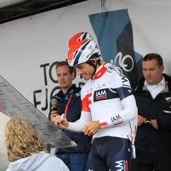 Sondre Holst Enger signerte inn (foto: AH)