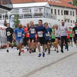 Starten på 6,5 km. 54 deltakarar stilte. (Foto: Kjetil Vasby Bruarøy)