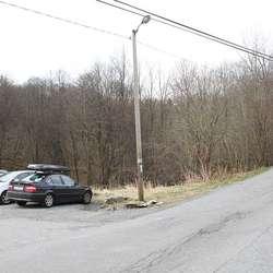 Kva med ein sti med start frå denne parkeringsplassen? (Foto: KVB)