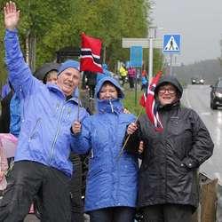 God stemning langs Hatvikvegen.  (Foto: KVB)