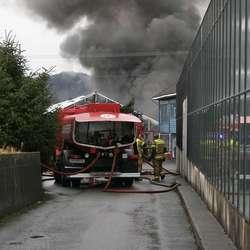 Laurdag 15. mars 2008 braut det ut brann i eit av gartneria. (Foto: KVB)
