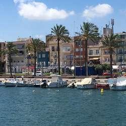Også Tarragona er ein hamneby. (Foto: Os Travel)
