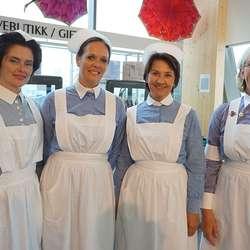 Levande utstilling: Elisabeth, Solveig, Mona og Elisabeth. (Foto: KVB)