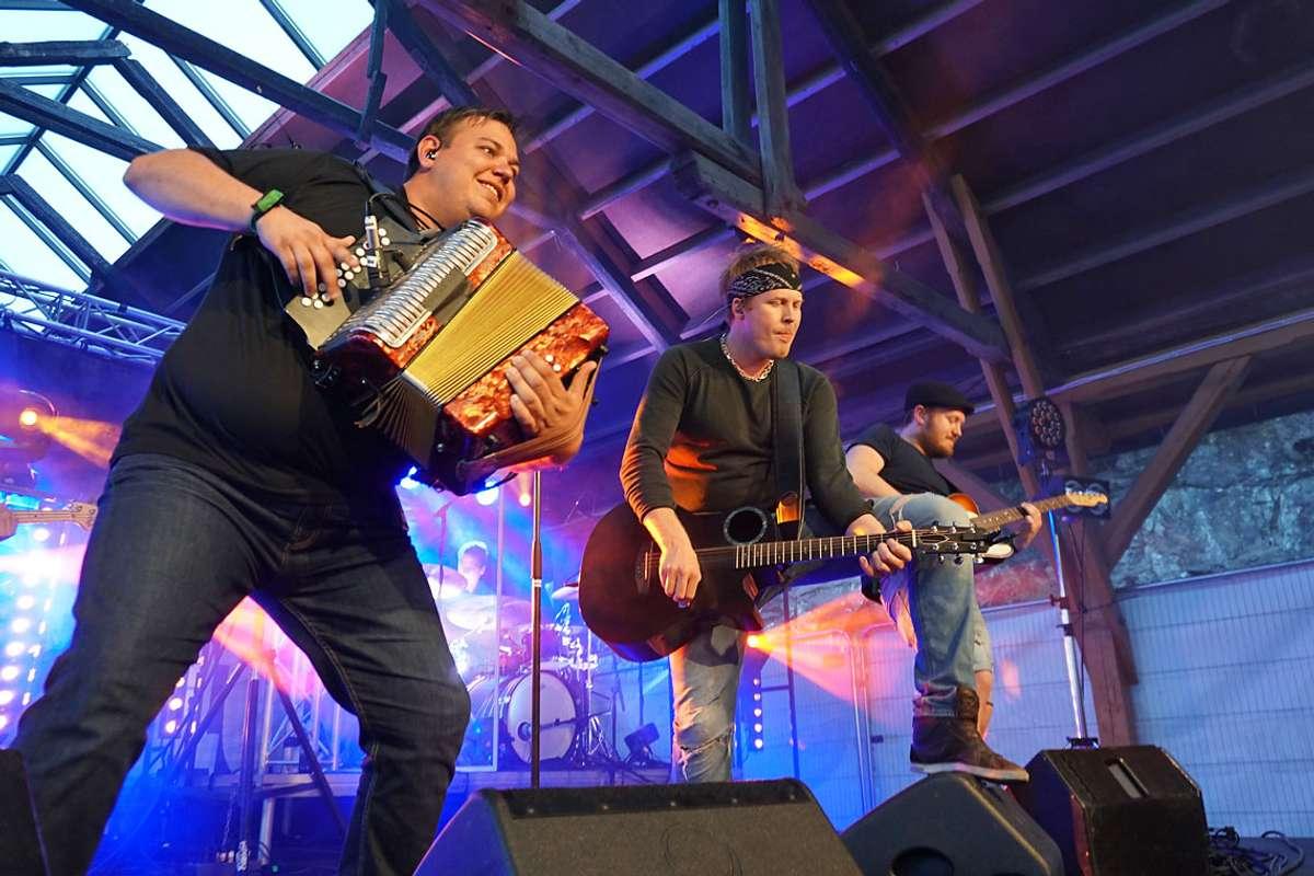 Rotlaus hadde publikum i si hule hand i Vognhallen i går. (Foto: Kjetil Vasby Bruarøy)