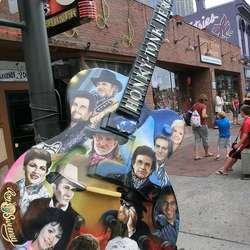 Musikk pregar bybildet i Nashville.