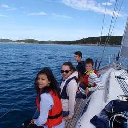 My, Anja, Eivind og Sindre slapper av på ripa (privat foto)