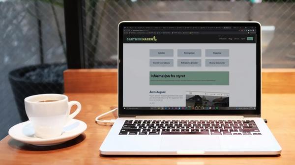 Nettsidene til Boligsameiet Gartnerihagen på en Macbook.
