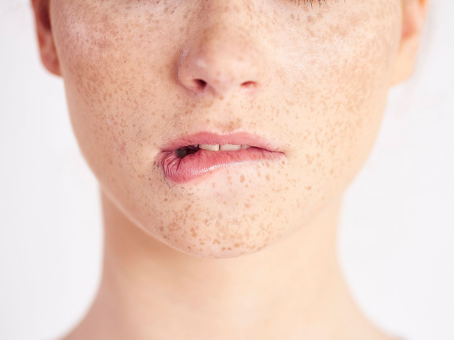 How to Get Sensitive Skin Healthy and Glowing