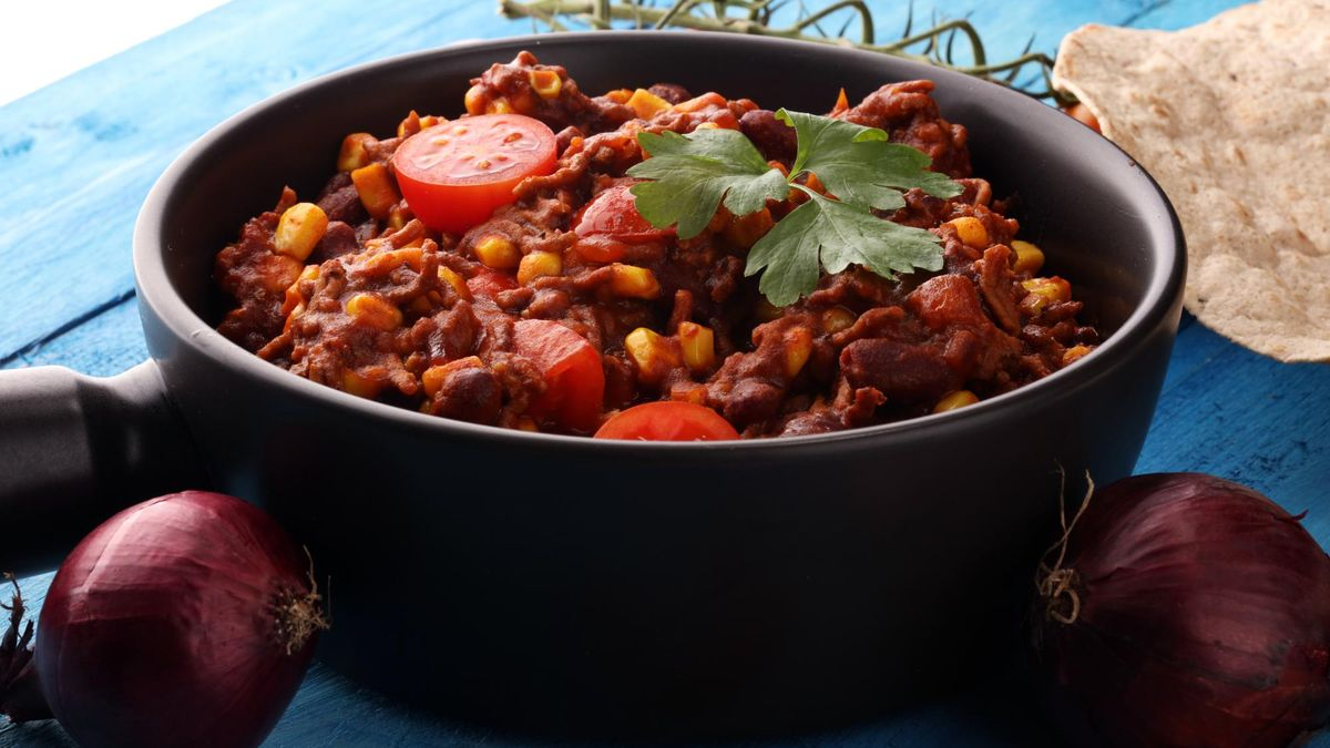 Hot chili con carne. mexican food tasty and spicy