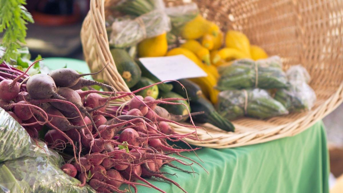 Durham Farmers' Market (photo by Dan Hacker Photography)
