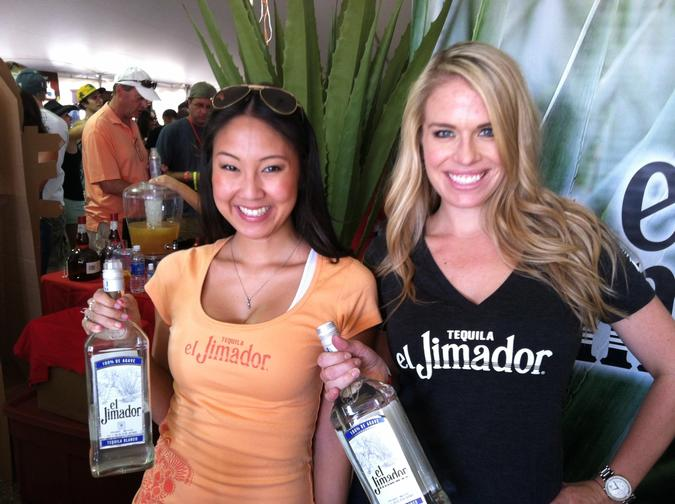 El Jimador girls ready to pour