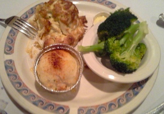 Crab cake at Pappas