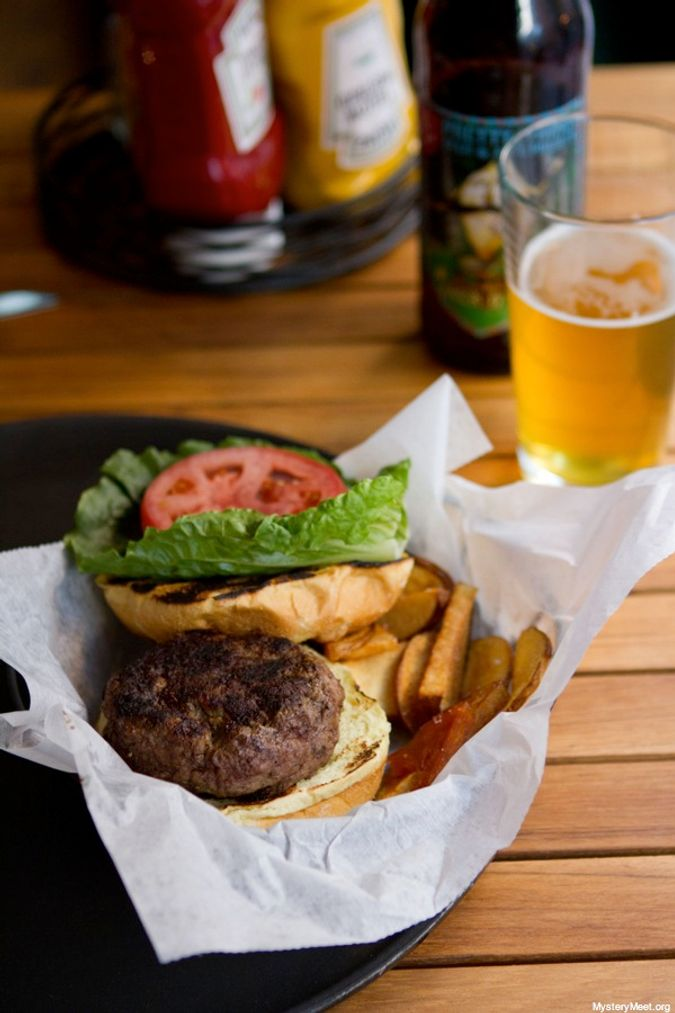 Backyard Burger_9
