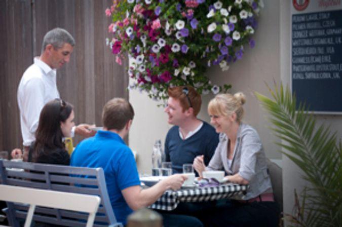 People eating outside DSC_2839
