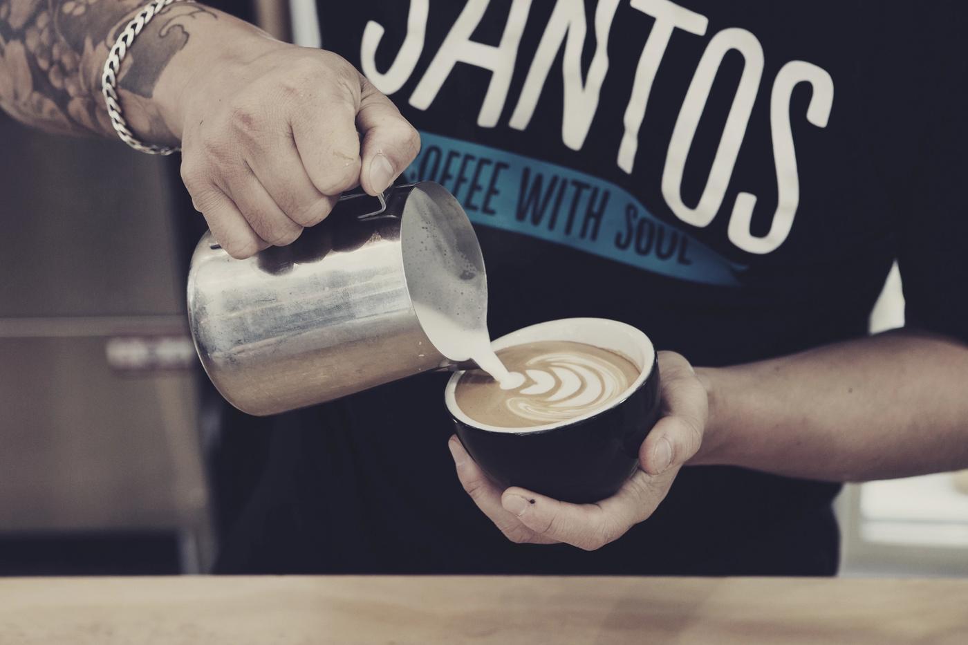Santos Coffee Pour