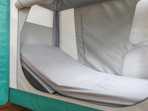 Profiling mattress in the complex care pod