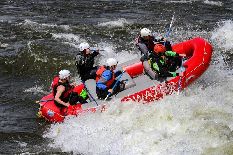 Guide School Rafting