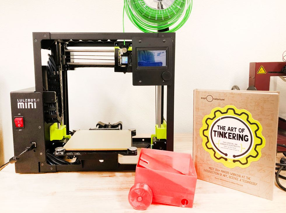 The 3-D printer is ready to get to work!