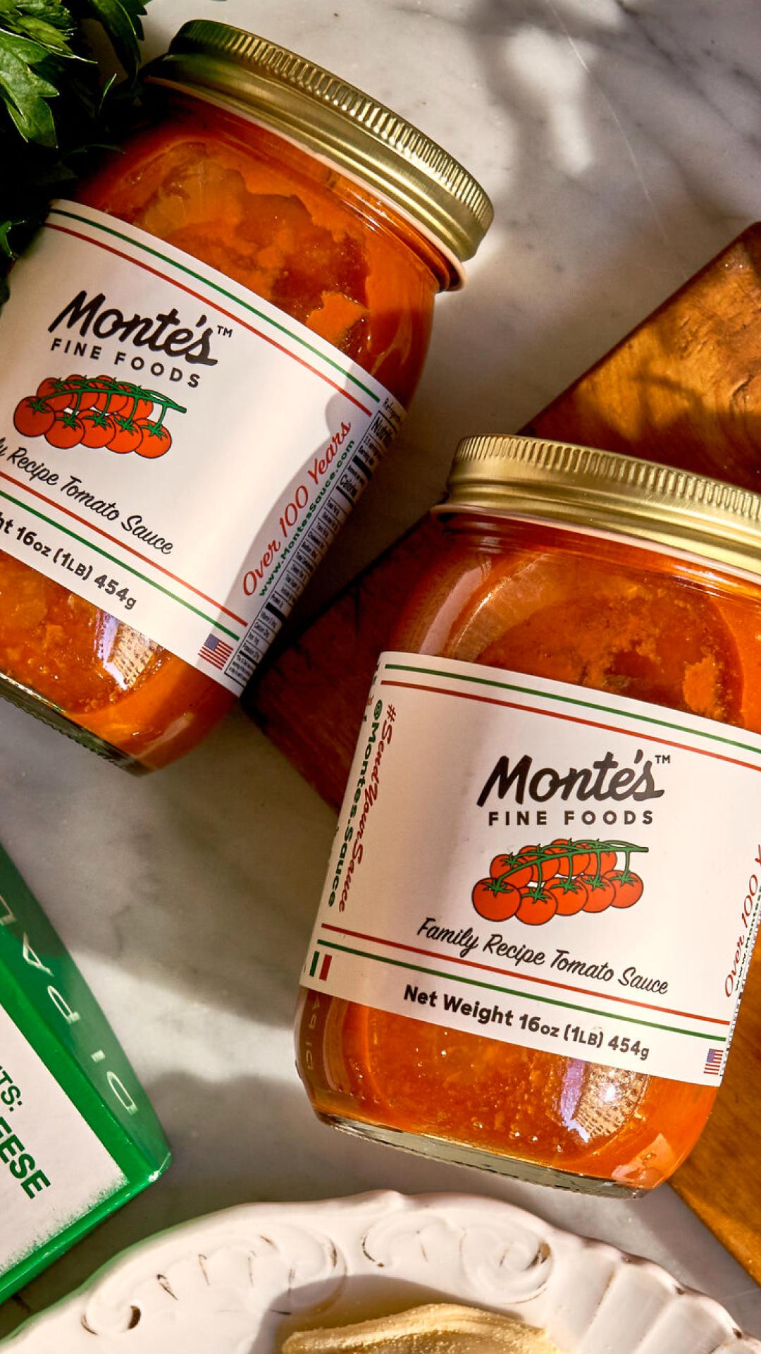 monte's sauce closeup