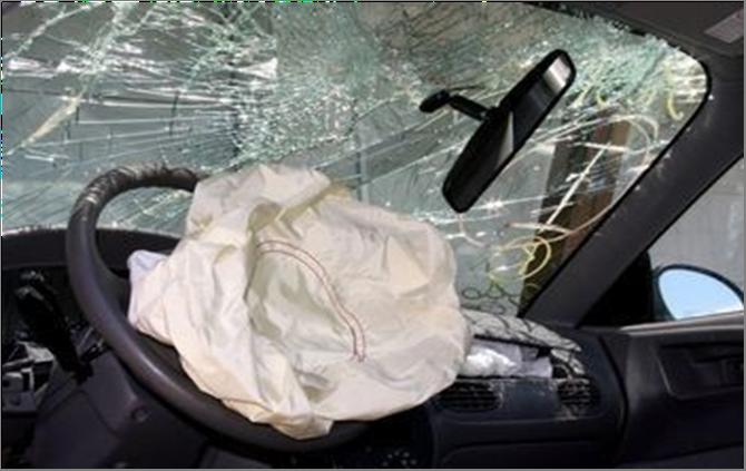 Crashed vehicle with SRS airbag deployed