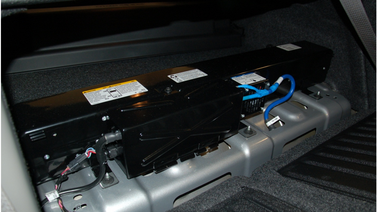 2009 Saturn Aura battery pack and wiring