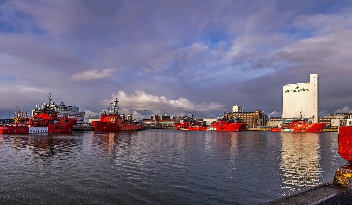 Ports & Logistics