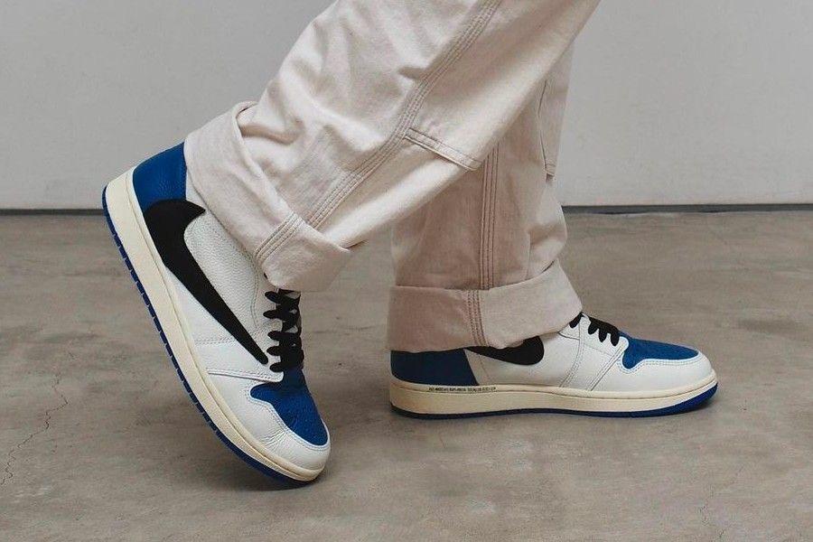 Travis Scott x Fragment x Air Jordan 1 on foot