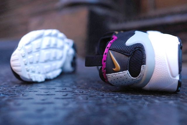 Nike Air Footscape Motion Bright Magenta Bump 8