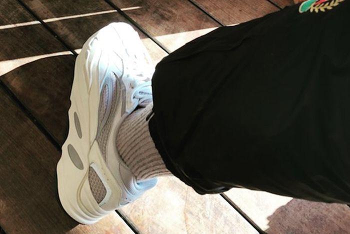 Kanye West Adidas Yeezy Wave Runner 700 Boost White Cream Grey Sneaker Freaker 1
