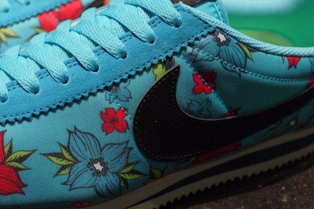 Nike Classic Cortez Nylon Qs Aloha Pack Blue Detail 1