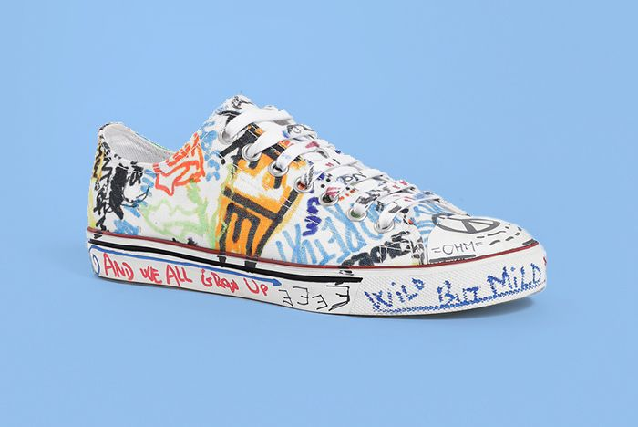 Vetements Graffiti Low Top Wht 4 Copy