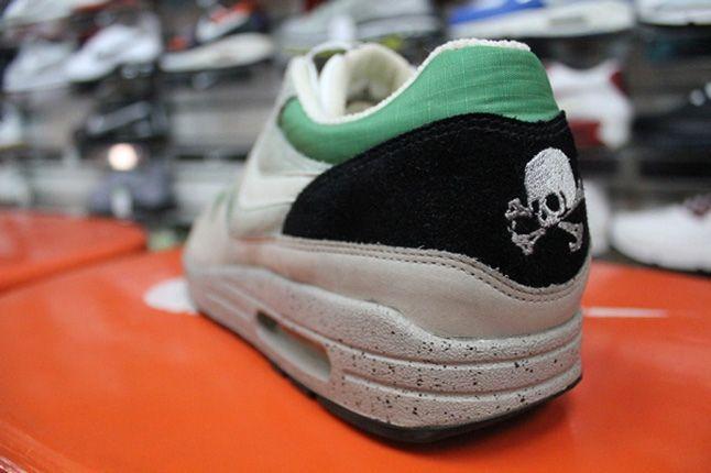 Inside The Sneaker Box Sneaker Heaven 411 1