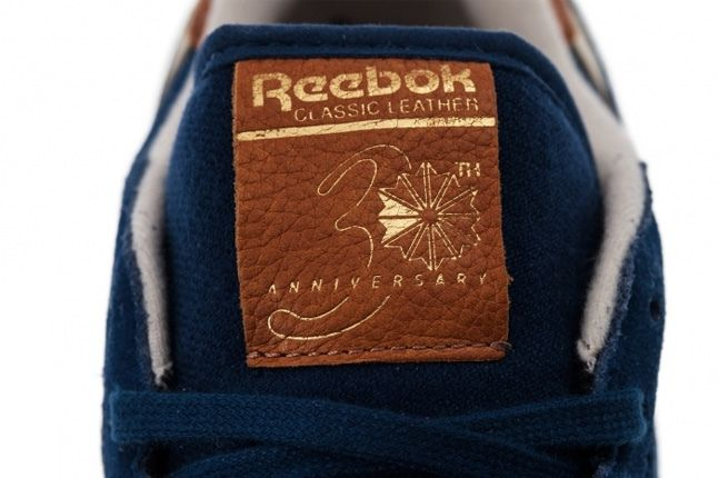 Reebok Classic Leather Suede Blue Tongue Detail 1