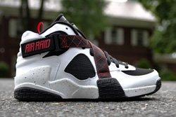 Nike Air Raid White Black University Red Thumb
