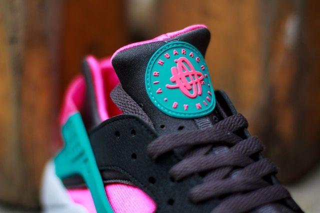 Nike Air Huarache Hyper Pink 3