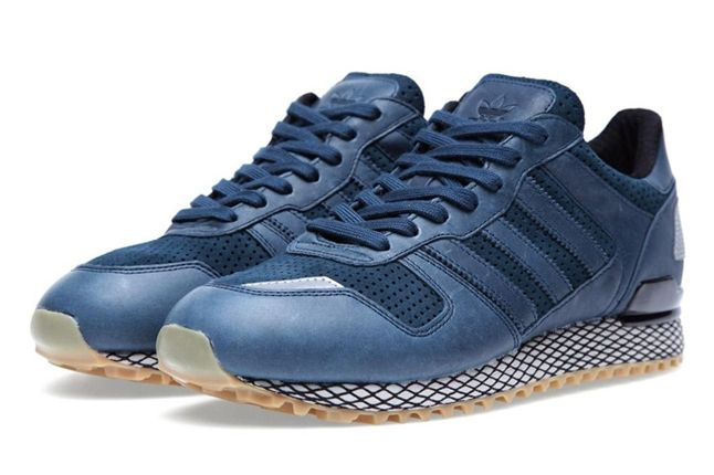 Adidas Originals Zx 700 Gum And Perf Pack Navy Pair Angle 1