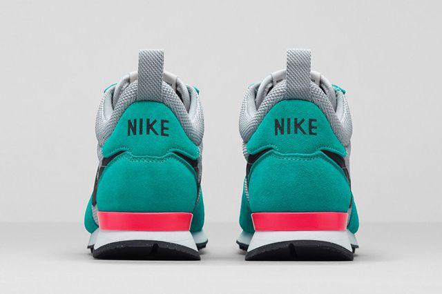 Nike Wmns Internationlist Mid Werunsf Bump 5