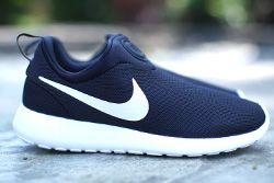 Nike Roshe Run Slip On Monochrome Thumb1