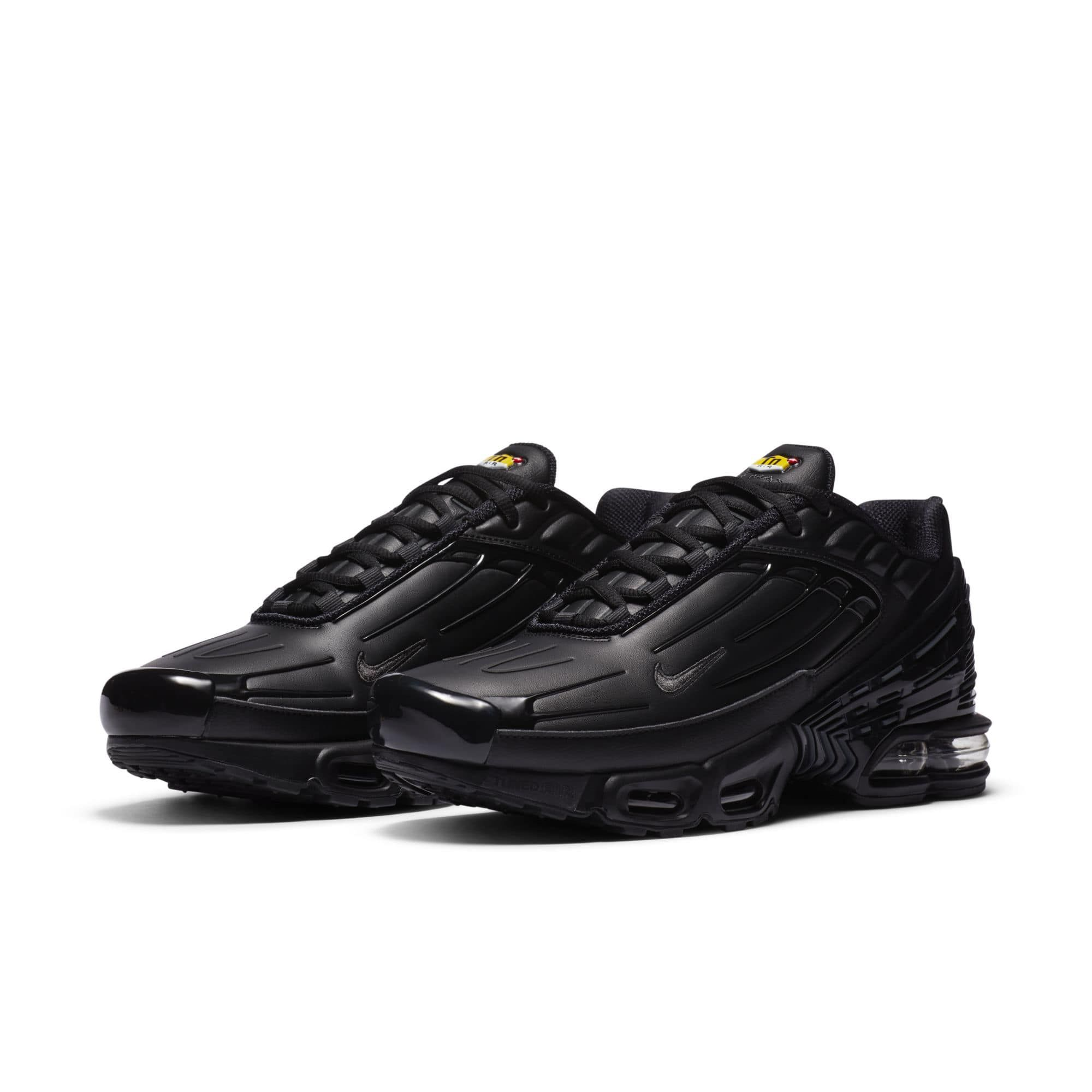 air max plus leather black