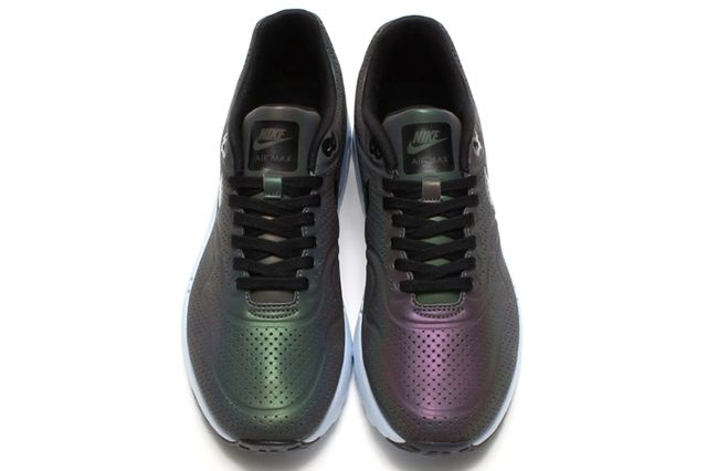 Nike Air Max 1 Ultra Moire Iridescent 01