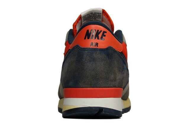 Nike Air Epic Vntg Sprtgrey Obsidian Heel Profile 1