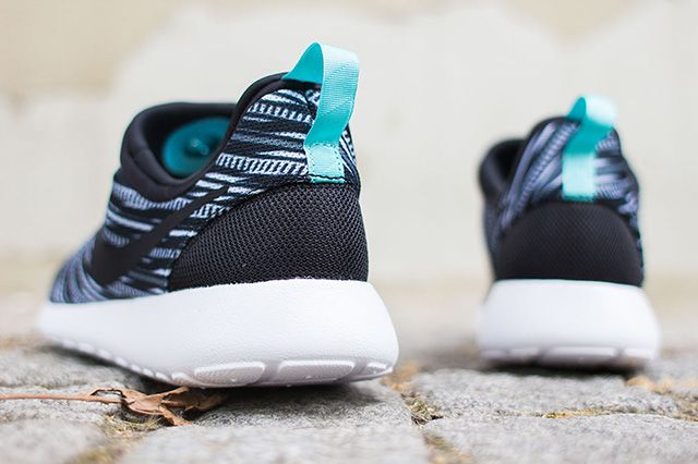 Nike Roshe Run Slip On 4