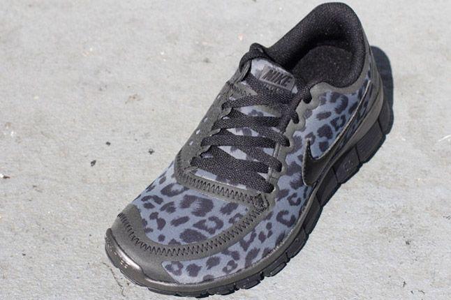 Nike Free 5 0 V4 Leopard Pack Black Quater Front 1