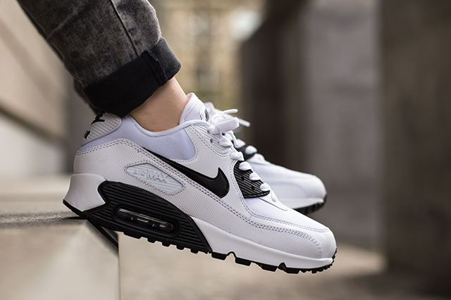 Nike Air Max 90 White Black 2